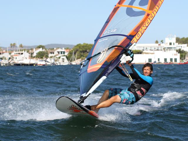 Intermediate Windsurfing Groups and tuition